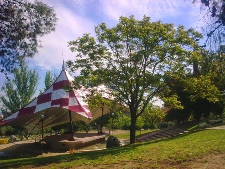 escenario aire libre parque la paz