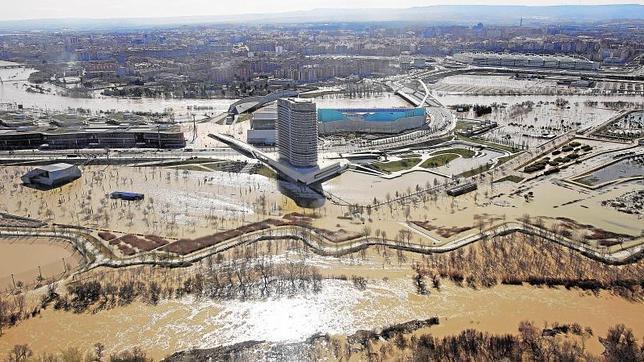 el Ebro inunda los terrenos de la Expo 2008