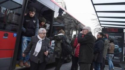 El Ayuntamiento auditará a Auzsa y pide a los trabajadores que paren la huelga mientras lo hace