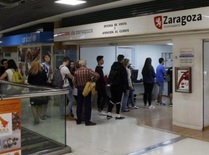 ciudadanos piden sus compensaciones en Auzsa