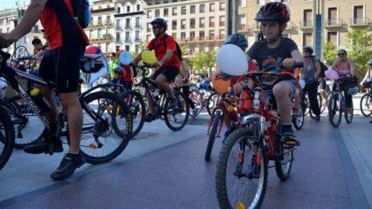 """La décima bicicletada escolar reclama una ciudad """"más verde y cívica"""""""