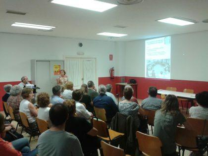 la sala estuvo llena para la charla sobre salud menta