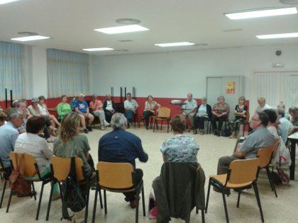 Numerosos vecinos participaron en la charla que ofreció la Plataforma en Defensa de la Salud Mental