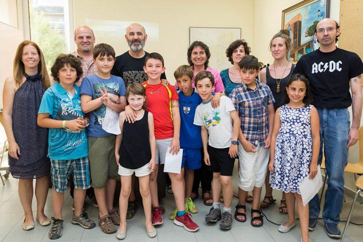 alumnos del pleno infantil con la concejal Luisa Broto