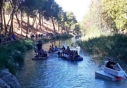 Las singulares embarcaciones volvieron a las aguas