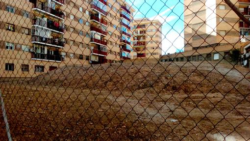 Limpieza solar calle Terranova La Paz Zaragoza